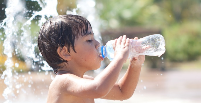 children-hydration-during-summer