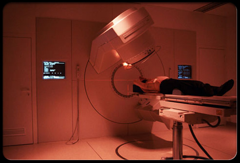 colorectal_cancer_s13_man_undergoing_scan