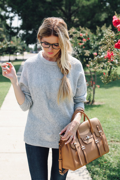 w1zpy2-l-610x610-barefoot+blonde-blogger-jeans-shoes-bag-make-jewels-grey-sweater-leather+bag-glasses-preppy-school